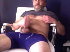 Hairy bearded vidz old guy  super shoots massive load