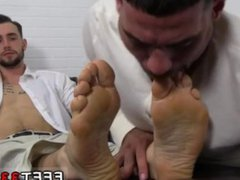On the vidz hunt toe  super sucking gay and head to toe gay porn physical and feet