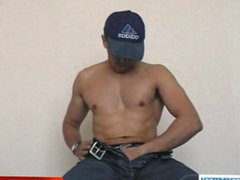 Akim innocent vidz delivery guy  super serviced his big cock by a guy!