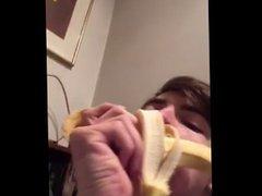 Hot stud vidz eating banana.  super Norwegianfuckboys
