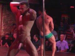 Strippers pau vidz duro