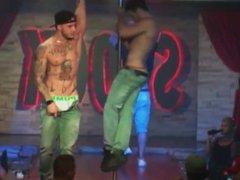 Strippers pau vidz duro II