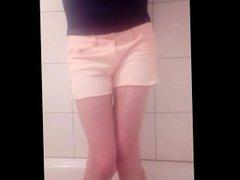 in die vidz Hose pissen,  super pee in my shorts