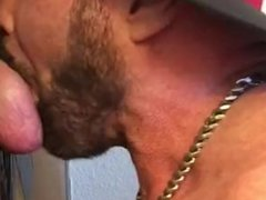 White Cock vidz Cums in  super 2 Minutes Flat ar Philadelphia Gloryhole