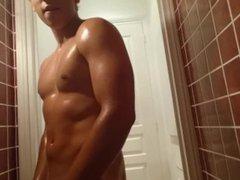British Body vidz Builder -  super Kieran Billen's Nude Muscle Flexing Sessions Part 2