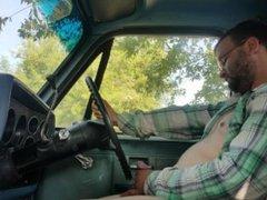 Jacking off vidz in a  super Classic truck