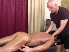 Mike Anders vidz Massaged by  super Jake Cruise