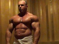 Bodybuilder Sauna vidz Flex