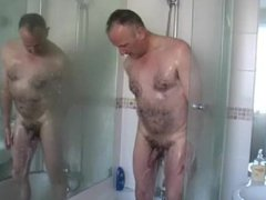 MATURE MAN vidz SHOWER