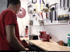 FamilyDick-Shy Boy vidz Gets Rammed  super by Older Man in Garage