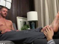 Business men vidz Sean Holmes  super and Justin Case feet worship time