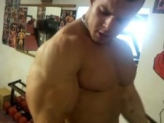 DAVID ORAVEC vidz biceps pumping