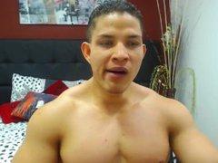 Massive columbian vidz bodybuilder