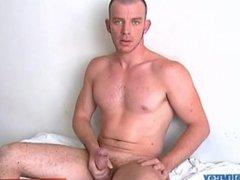 Sport guy vidz In a  super porn in spite of him: Yan, french male serviced !