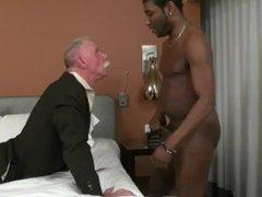 Stock Trader vidz needs a  super big black Dick Tonight