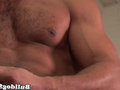 Masturbating muscle vidz hunk tries  super different toys
