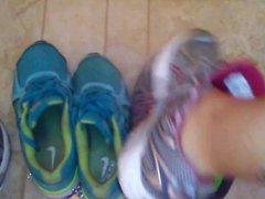 some fun vidz with fan  super sneakers