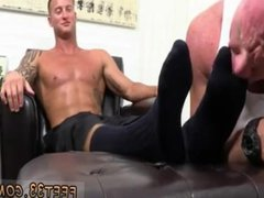 Gay bodybuilders vidz ass and  super legs He liked it