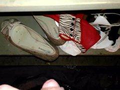 shoes, clothes vidz pissing