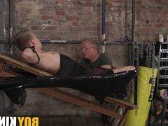 Sebastian Kane vidz wrappes up  super Chris Jansen to jerk him off