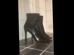 piss on vidz teen sexy  super high heels with precum
