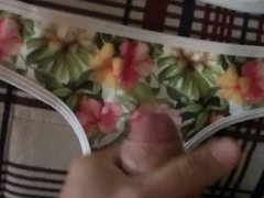 Bikini cum vidz of flowers