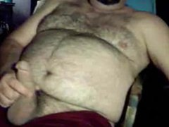Hairy bear vidz jacking off