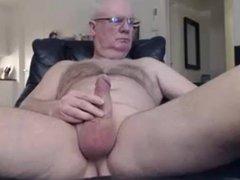 Dad stroking vidz his uncut  super meat