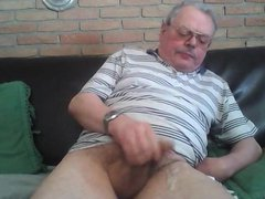 Uncut Dad vidz wanking and  super spunking on cam