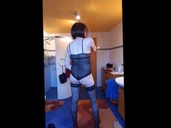 Jenny posing vidz in Bathroom