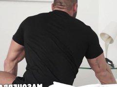 Big muscular vidz dude Thomas  super Friedl jacking off the right way