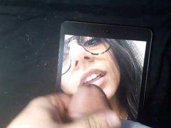 Cum Tribute vidz to Mia  super Khalifa's nose