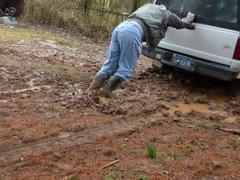 Cowboy boots vidz slipping in  super mud