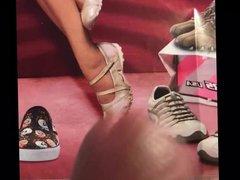 Female Skechers vidz cum tribute  super request