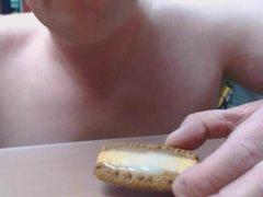 Cum on vidz food -  super Crunchie biscuit