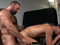 Big Bear vidz Daddy Brad  super Kalvo Fucks Younger Boy's Hairy Ass
