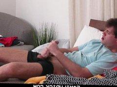 FamilyDick - vidz Muscle stepdad  super edges and breeds his stepson