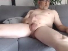 Old Daddy vidz shooting a  super huge cum load