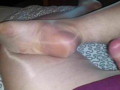 CD cums vidz on shiny  super pantyhose feet