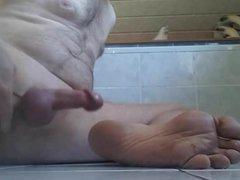 Feet cum vidz branlette ejaculation