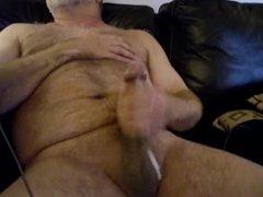 Hairy daddy vidz bear cumming  super with his big cock