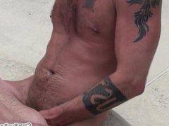 Chubby bear vidz getting unsaddled  super outdoors
