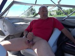 Stroking on vidz the boat