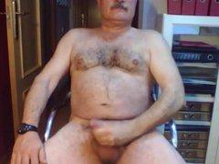 Married daddy vidz cums on  super cam
