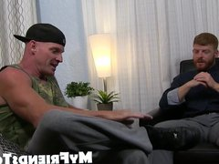 Redhead jerks vidz off and  super enjoys some amazing toe sucking action