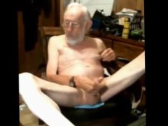threesome with vidz grandpa