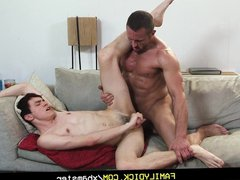 FamilyDick - vidz Muscle stepdad  super seduced for allowance money