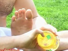 Sporty homos vidz feet oiled  super up and tickled by his friends