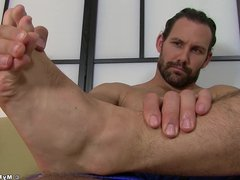 Bearded hunk vidz cock teases  super with his amazing feet and toes