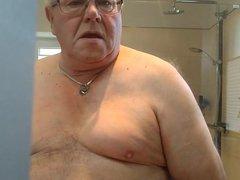 Shaking tits vidz while wanking